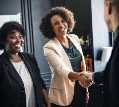 The Intercultural Spotlight: Unlocking the Cultural Side of Sales